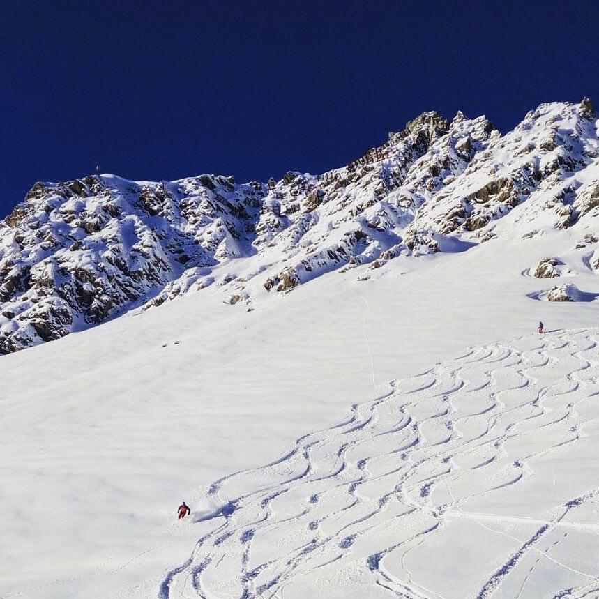 @nika.able Snowboarding and ski female shots of the week