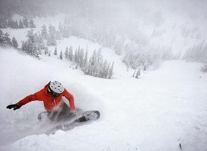 @priscilaschleske Snowboarding and ski female shots of the week