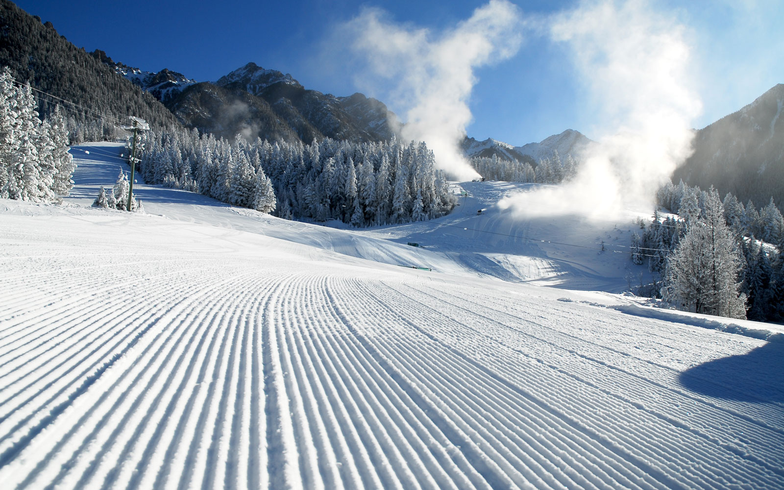 Les Arcs. European ski resorts that are open right now.