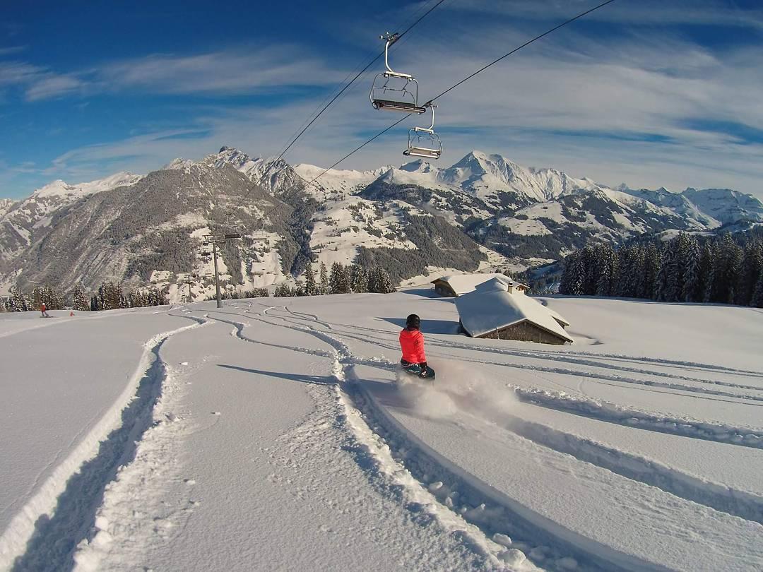 @sosobonfim Snow Sista Photos of the Week. Snowboarder skier