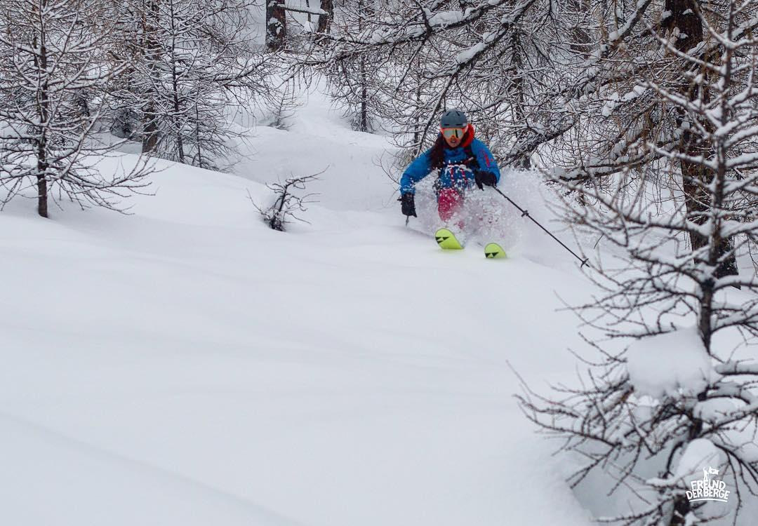 @freundderberge Snow Sista Photos of the Week. Snowboarder skier