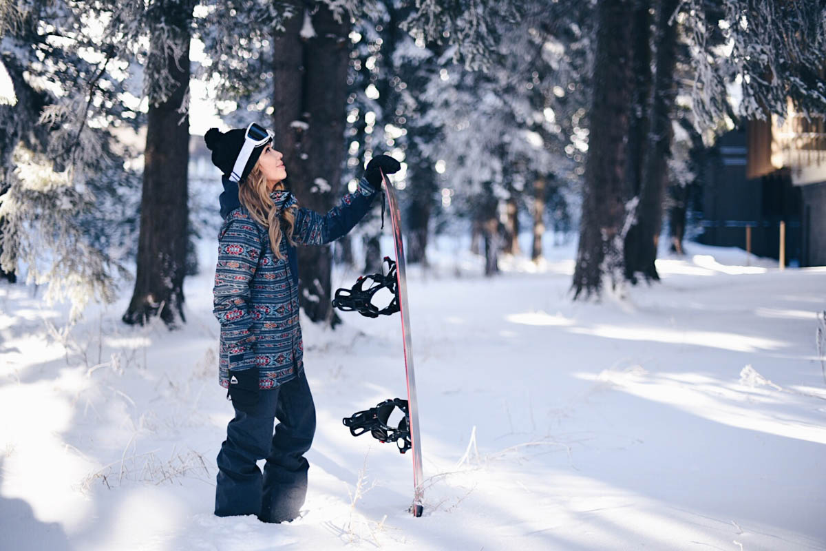 Sort out your mountain playlist  New Year Resolutions for Girl Skiers and Snowboarders